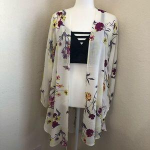 Torrid White Floral Crepe Kimono 00/0